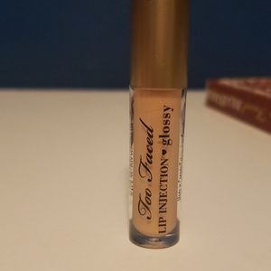 Too faced lip injections gloss